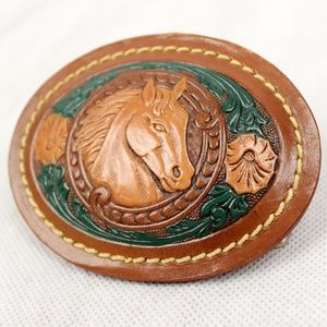 ✨ Vintage ✨ 70s Tooled Leather Horse Belt Buckle